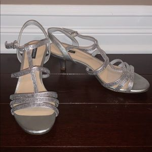 Alex Marie size 7.5 womens silver heels
